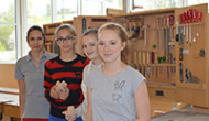 Begeisterte Schülerinnen beim Girl`s Day bei Anrei-Reisinger GmbH am 28. April 2016