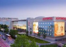 Shopping-Party mit Star-Auflauf im Alstertal-Einkaufszentrum
