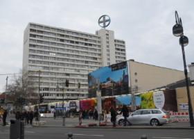 BIKINI BERLIN – Bauzaun macht Projekt schon jetzt erlebbar